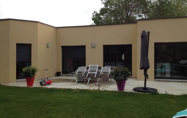 Maison à toiture terrasse